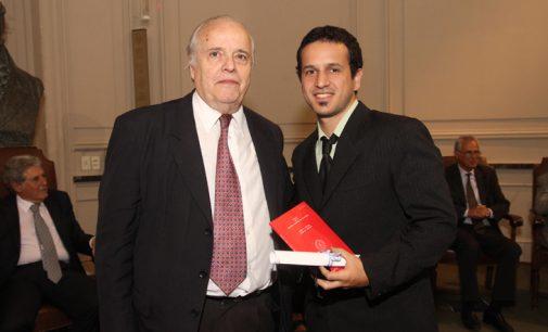 Ingeniero de la UNLaM fue elegido como uno de los mejores graduados del país